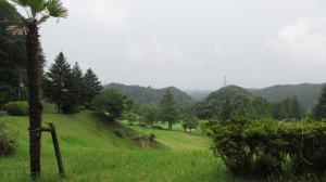 風船の飛ぶ秋を追い福島の夏